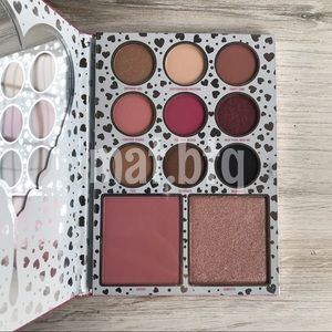 Kylie Cosmetics I Want It All Valentines Palette